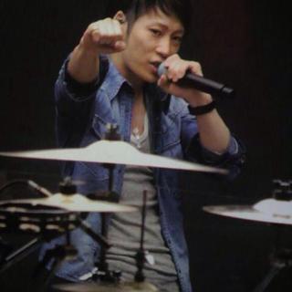 イサムカタヤマバックラッシュ(ISAMUKATAYAMA BACKLASH)のUVERworld TAKUYA∞ 着用 バックラッシュ デニムシャツ(シャツ)