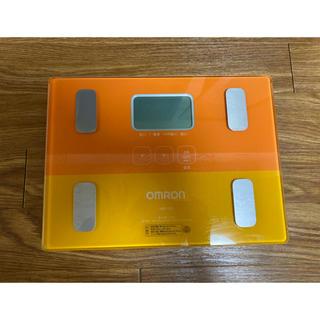 オムロン(OMRON)の【美品】オムロン 体重体組成計 HBF-223 カラダスキャン オレンジ(体重計/体脂肪計)