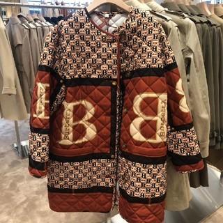 バーバリー(BURBERRY)のBurberryバーバリ Bロゴプリントコート(ノーカラージャケット)