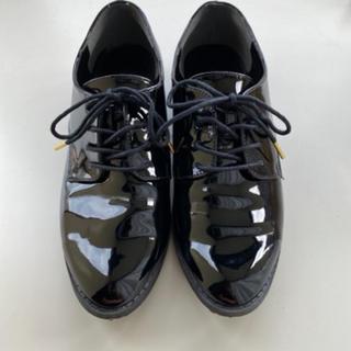 グローバルワーク(GLOBAL WORK)の黒 エナメル レースアップシューズ (ローファー/革靴)