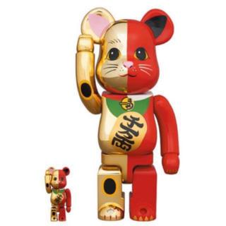 メディコムトイ(MEDICOM TOY)のBE@RBRICK 招き猫 金×赤 100% & 400% ベアブリック(その他)