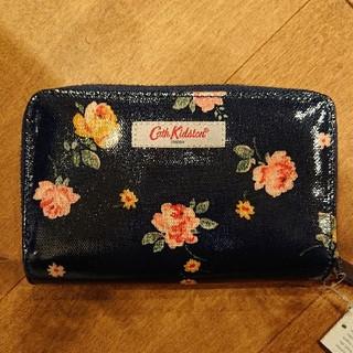 キャスキッドソン(Cath Kidston)のキャスキッドソン 財布 フォールデット ジップ ウォレット ウィンボーンローズ(財布)