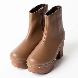 ウィゴー(WEGO)のWEGO スタッズ ブーツ(ブーツ)