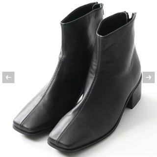 トゥデイフル(TODAYFUL)のスクエアトゥーショートブーツ ブラック(ブーツ)