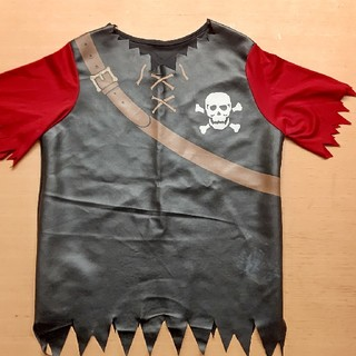 ハロウィンにいかが?子供用海賊風シャツ(衣装一式)