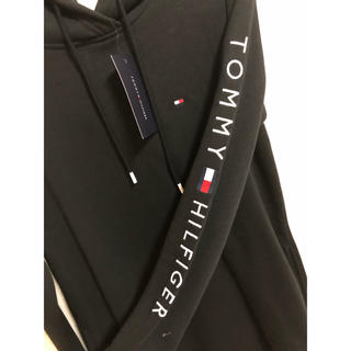TOMMY HILFIGER - tommy パーカーワンピース