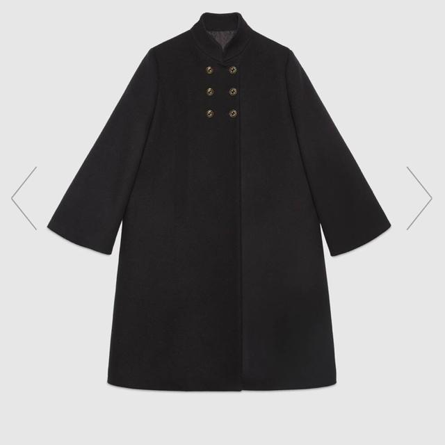 Gucci(グッチ)のGUCCI インターロッキングG ボタン付き ウール コート レディースのジャケット/アウター(ブルゾン)の商品写真