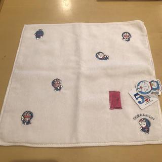 ショウガクカン(小学館)のドラえもん50周年 刺繍タオルハンカチ ピンクホワイト 50th(ハンカチ)