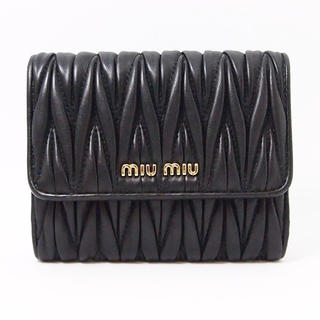 miumiu - 【美品】miumiu ミュウミュウ マテラッセ  三つ折り 財布 ブラック