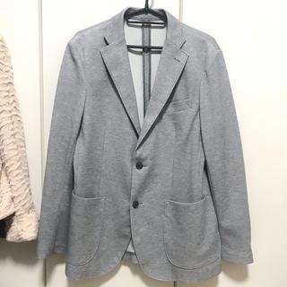 ユニクロ(UNIQLO)の3回ぐらい着用☆グレーのジャケット☆(テーラードジャケット)
