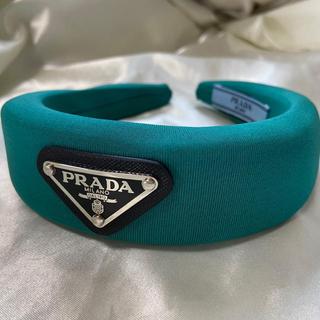 PRADA - 新品未使用 prada  プラダ カチューシャ 緑 エメラルドグリーン ロゴ