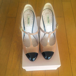 ミュウミュウ(miumiu)のミュウミュウmiumiuバイカラーパンプス靴chanelfoxeyルブタンプラダ(ハイヒール/パンプス)