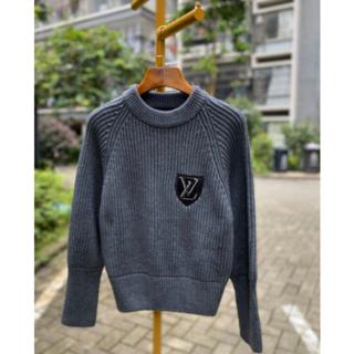 ルイヴィトン(LOUIS VUITTON)の☆Louis Vuitton☆LVパッチ ウールニットセーター(ニット/セーター)