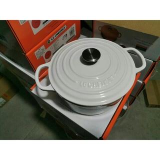 ルクルーゼ(LE CREUSET)の24cm 鋳鉄STAUBほうろう鍋(食器)