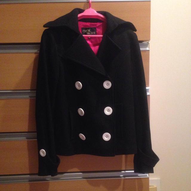 CECIL McBEE(セシルマクビー)の白ボタンピーコート♡ レディースのジャケット/アウター(ピーコート)の商品写真