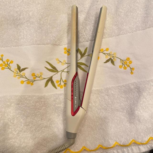 Lumiere Blanc(リュミエールブラン)の11/1までお取り置き めちゃん様専用: ヘアビューロン  スマホ/家電/カメラの美容/健康(ヘアアイロン)の商品写真
