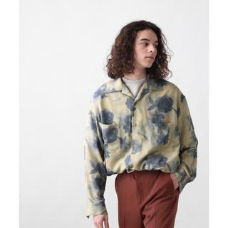 ハレ(HARE)のHARE BIGフラワーカイキンシャツ オープンネックシャツ(シャツ)
