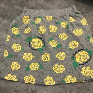 ロデオクラウンズワイドボウル(RODEO CROWNS WIDE BOWL)のバラ柄スカート(ミニスカート)