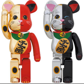メディコムトイ(MEDICOM TOY)のBE@RBRICK  招き猫 金×赤 1000%  銀×黒 1000%  セット(その他)