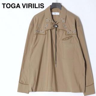 トーガ(TOGA)の【新品】トーガビリリース  ウエスタンシャツ スタッズ カーキ ミリタリー(シャツ)