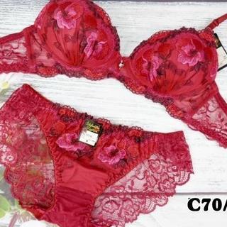 043★C70 M★ノンワイヤーブラ バックレースショーツ 花刺繍 赤系(ブラ&ショーツセット)