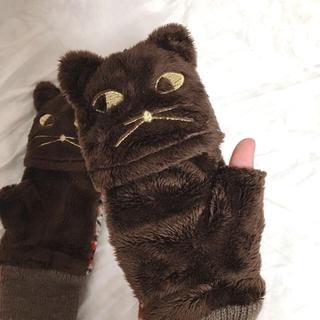 ブルーブルーエ(Bleu Bleuet)の【美品】猫ちゃん 手袋(手袋)