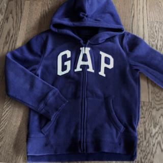 ギャップ(GAP)のあったか裏起毛130サイズ  GAP紫パーカー 冬用パーカー(ジャケット/上着)