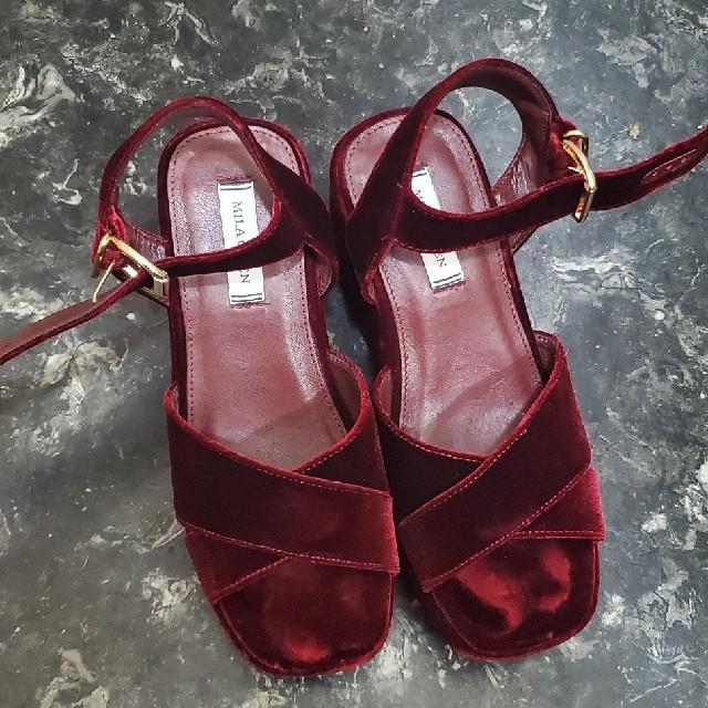 Mila Owen(ミラオーウェン)のミラオーウェン ベロアウエッジサンダル(ワイン) レディースの靴/シューズ(サンダル)の商品写真
