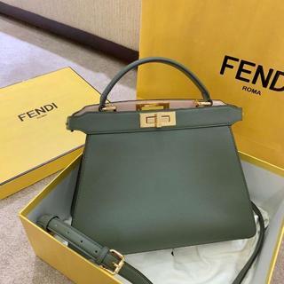 FENDI - 極美品 フェンディショルダーバッグ