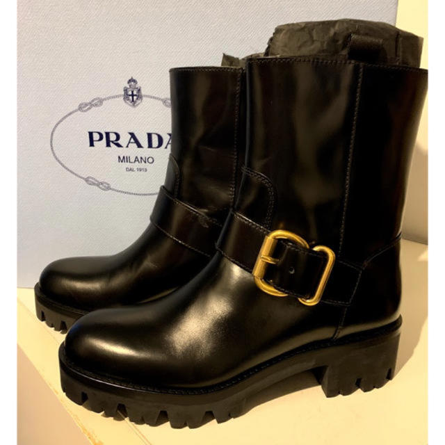 PRADA(プラダ)の定価17万❤️新品・未使用 PRADA エンジニア ブーツ レディースの靴/シューズ(ブーツ)の商品写真