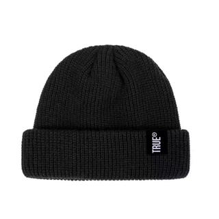 ★新品・未使用★ TRUE ロゴ ニット帽 ビーニー 浅め ユニセックス(ニット帽/ビーニー)