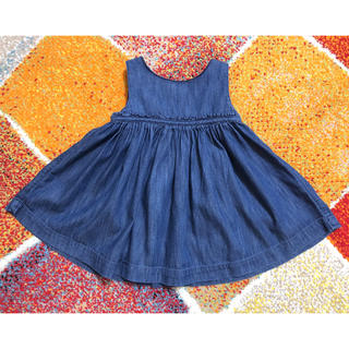ギャップ(GAP)の【美品】babyGAPデニムワンピーススカート70サイズ(ワンピース)