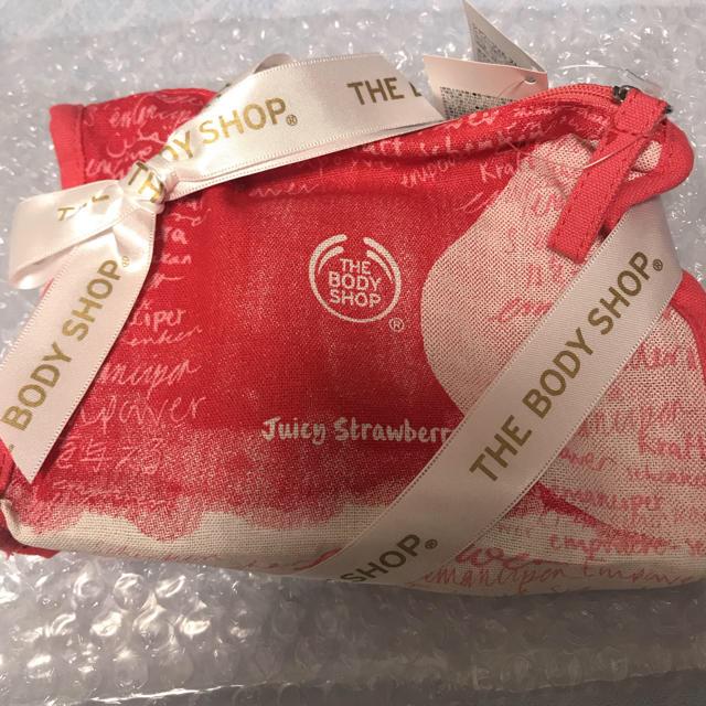 THE BODY SHOP(ザボディショップ)のザ・ボディショップ リボン付き ポーチギフト ストロベリー コスメ/美容のボディケア(ボディクリーム)の商品写真
