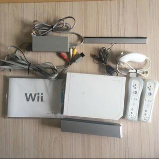 Wii - Nintendo Wii 本体+コントローラー×2+ヌンチャク×1