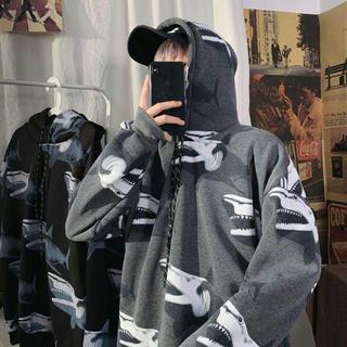 insの新しい港風原宿のサメのジャケットにビロードの服を追加しました。V(卓球)