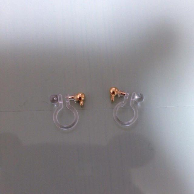 ピンクハートイヤリング ハンドメイドのアクセサリー(イヤリング)の商品写真