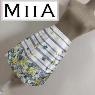 ミーア(MIIA)のミーア パネル花柄タックスカート(ひざ丈スカート)