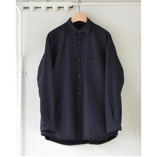 コモリ(COMOLI)のCOMOLI 2020AW新作 ナイロンシャツジャケット サイズ2 新品未使用(シャツ)