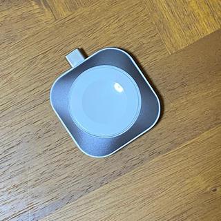アップルウォッチ(Apple Watch)の【美品】SATECHI Apple Watch 充電器(バッテリー/充電器)