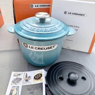 ルクルーゼ(LE CREUSET)の18cm、クールカラーle reusetエナメル、鋳鉄鍋、養生鍋 NO.2584(食器)