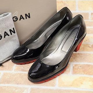 ホーガン(HOGAN)の美品 ホーガン HOGAN ☆ エナメルレザー パンプス 黒 36 イタリア製(ハイヒール/パンプス)