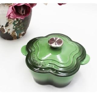 ルクルーゼ(LE CREUSET)のLe Creuset 20cm花形鋳鉄鍋、エナメル鍋、グリーン(鍋/フライパン)