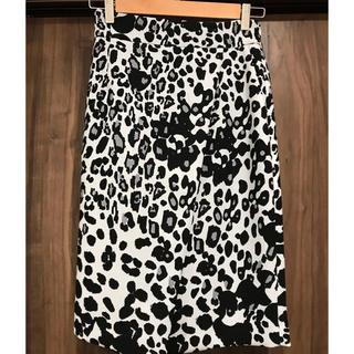 ピンキーアンドダイアン(Pinky&Dianne)のレオパードプリントラップ風スカート(ひざ丈スカート)