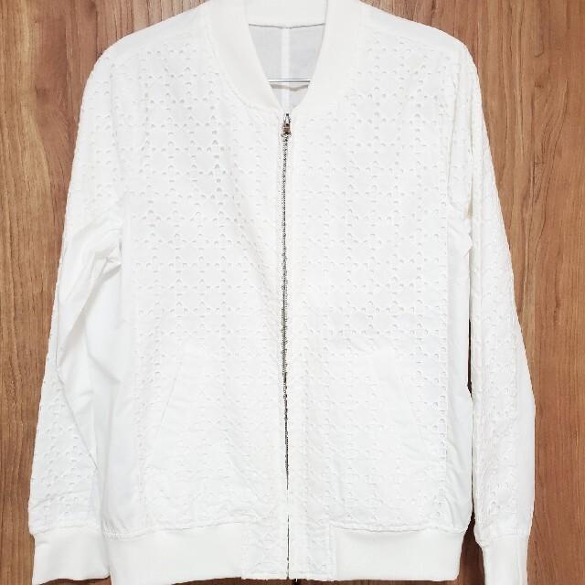 THE SUIT COMPANY(スーツカンパニー)のスーツカンパニーVネックニット+白ジャンパー レディースのトップス(ニット/セーター)の商品写真