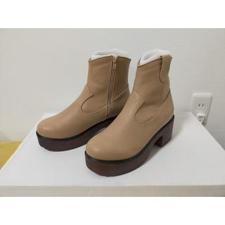 ウィゴー(WEGO)の【新品】WEGO ウッド調ソールブーツ ベージュ Lサイズ(ブーツ)