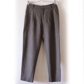 エヴァムエヴァ(evam eva)のevam eva wool tuck pants(カジュアルパンツ)