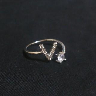 💍 Vリング 💍イニシャル リング アルファベットリング💍指輪 BTS (リング(指輪))