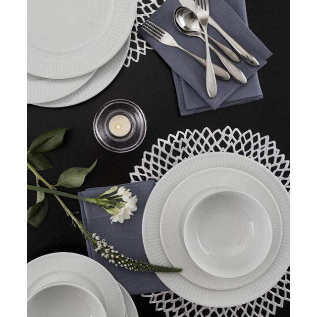 Francfranc(フランフラン)のセール!2枚セット ランチョンマット 円形 モダン おしゃれ インテリア/住まい/日用品のキッチン/食器(テーブル用品)の商品写真