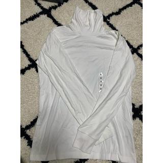 ユニクロ(UNIQLO)のユニクロ メンズ 未使用 Mホワイトハイネックカットソー(Tシャツ/カットソー(七分/長袖))