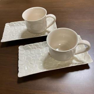 ジェンガラ(Jenggala)のジェンガラケラミック フランジパニ プルメリア ペアコーヒーカップ&ソーサー(グラス/カップ)